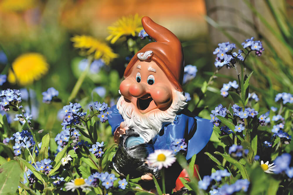 Gnoming - The Ritual of the Traveling Garden Gnome
