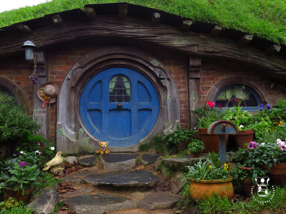 Fluffy in the vilage of Hobbiton