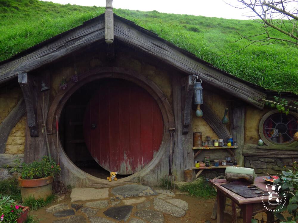Fluffy visits Hobbiton