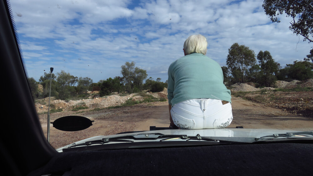 Hitchhiking in the Outback