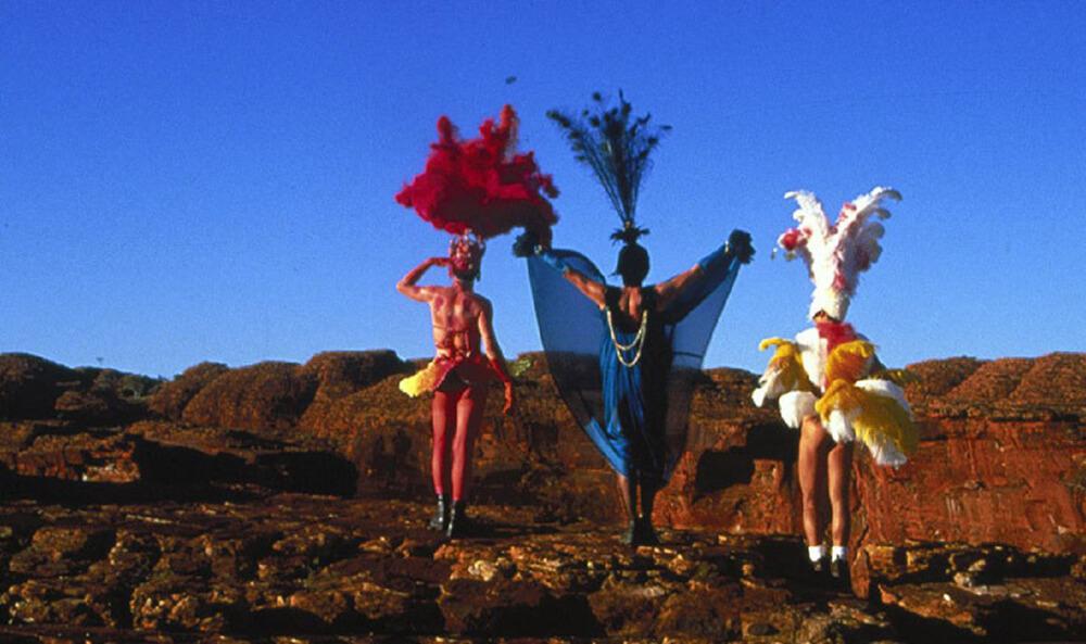 World Cinema 081 - Australia (The Adventures of Priscilla, Queen of the Desert)
