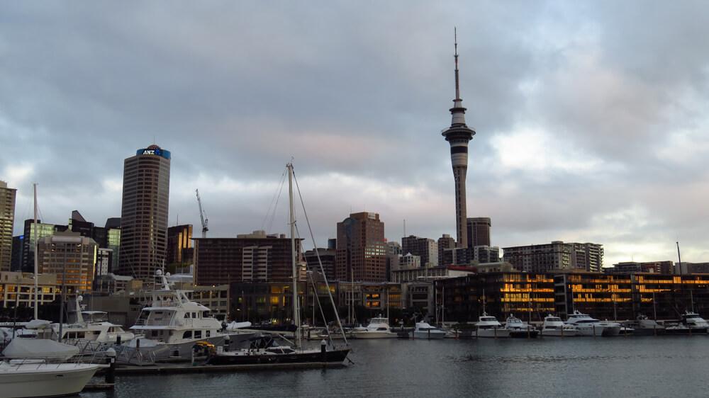 De haven van het bruisende Auckland