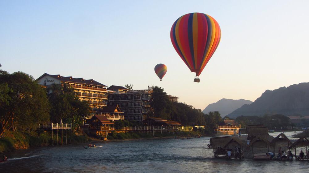 Ballonvaren in Vang Vieng, Laos